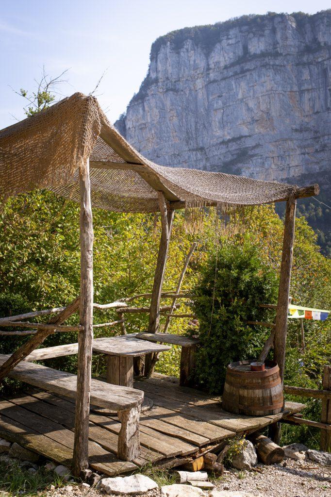 Cabane Café, lieu exterieur pour manger, restaurant vercors